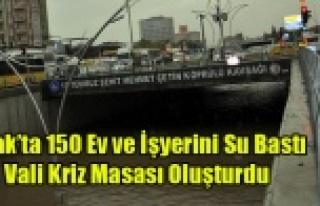 UŞAK'TA 150 EV VE İŞ YERİNİ SU BASTI