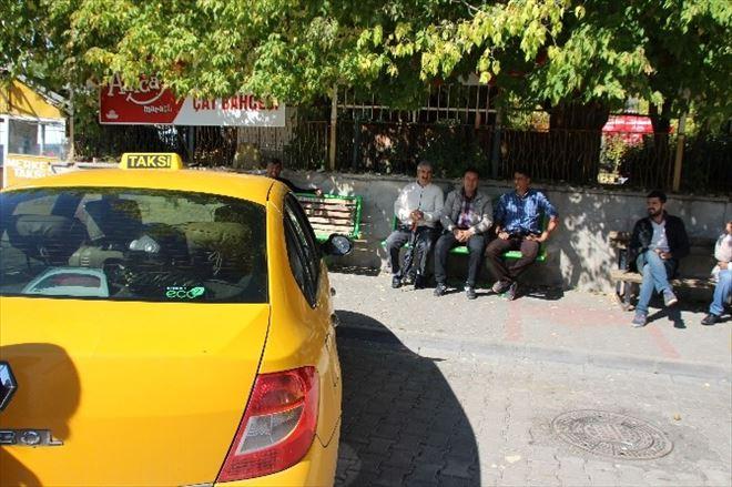 Taksici Esnafı İşsizlikten Yakınıyor