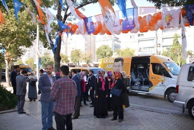 AK Parti Konya Her Gün 25 Bin Kişiye Ulaşıyor