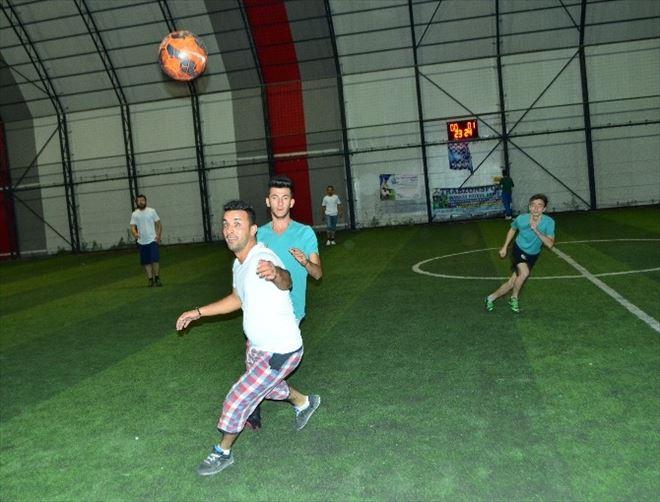 Burdur'da Adaylar Yeşil Sahaya Çıktı