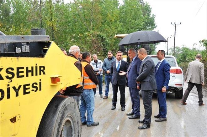 """Başkan Yılmaz: """"Köy Yollarımız Türkiye'ye Örnek Olacak"""""""