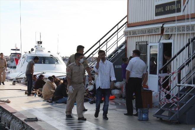 Kaçak Göçmen Teknesi Battı 3 Kişi Kayıp 21 Kişi Kurtarıldı