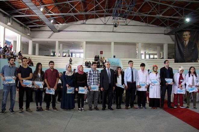 Erciyes Üniversitesi Tıp Fakültesinde Öğrenciler Önlüklerini Giydi