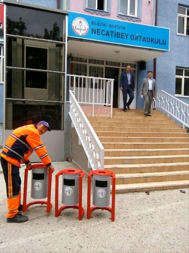 Okullara Yeni Çöp Kutuları