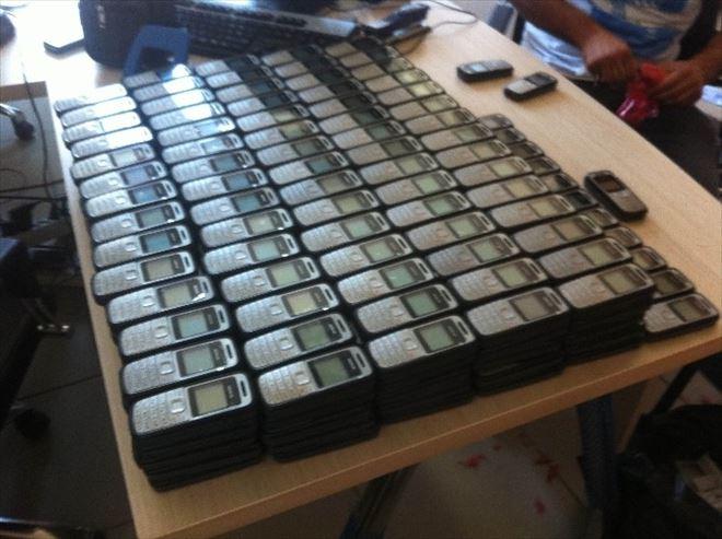 Diyarbakır'da 705 Adet Kaçak Cep Telefonu Ele Geçirildi