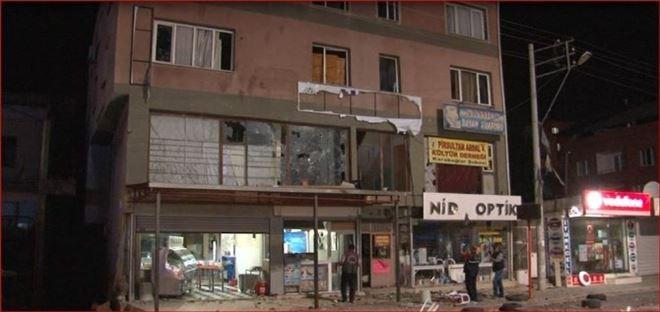 İzmir'de HDP Binasına Saldırı