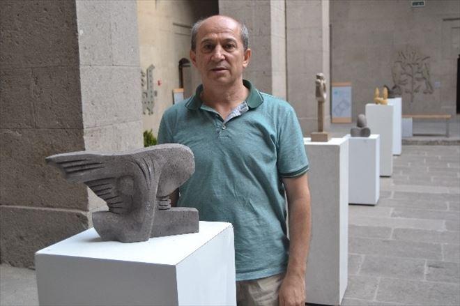 Kayseri'de Yrd. Doç. Dr. Osman Yılmaz Kişisel Heykel Sergisini Açtı