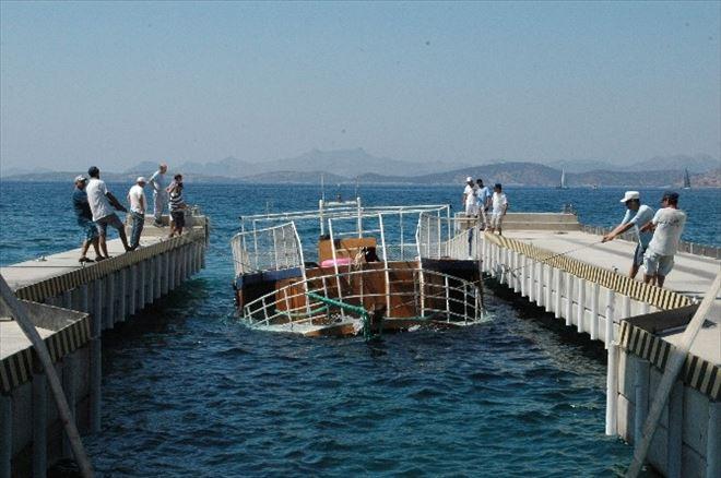 22 Kişiye Mezar Olan Tur Teknesi İskeleye Çekildi