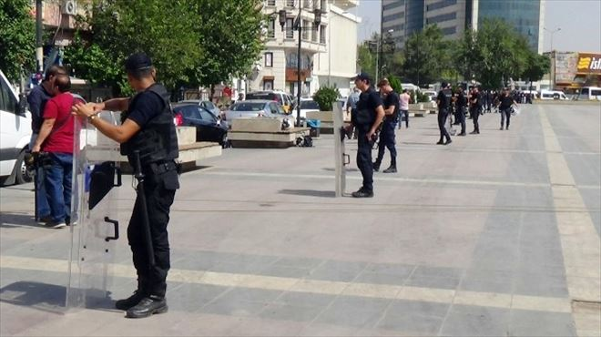 21 İlden Gelen 600 STK Temsilcisi Diyarbakır'da