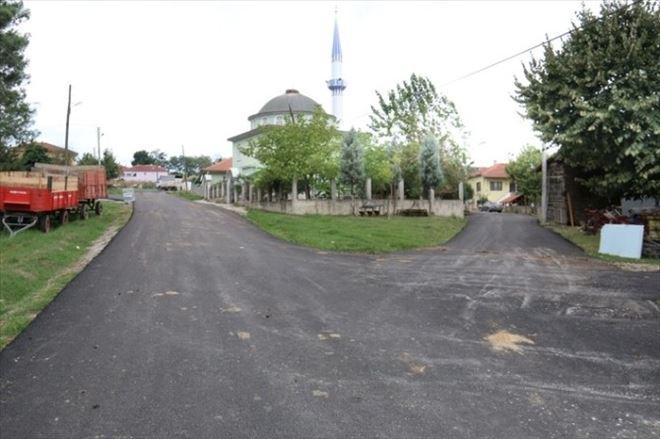 Serdivan Belediyesi Uzunköy'de Asfalt Çalışmalarına Devam Ediyor