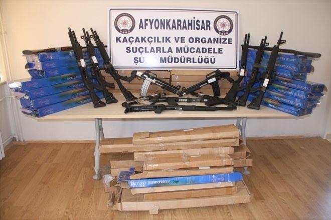 Afyonkarahisar'da Polis 41 Adet Ruhsatsız Av Tüfeği Ele Geçirdi