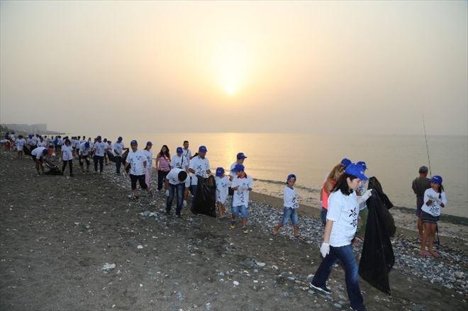 Meski Çalışanları, Yavru Carettalar İçin Kıyı Temizliği Yaptı