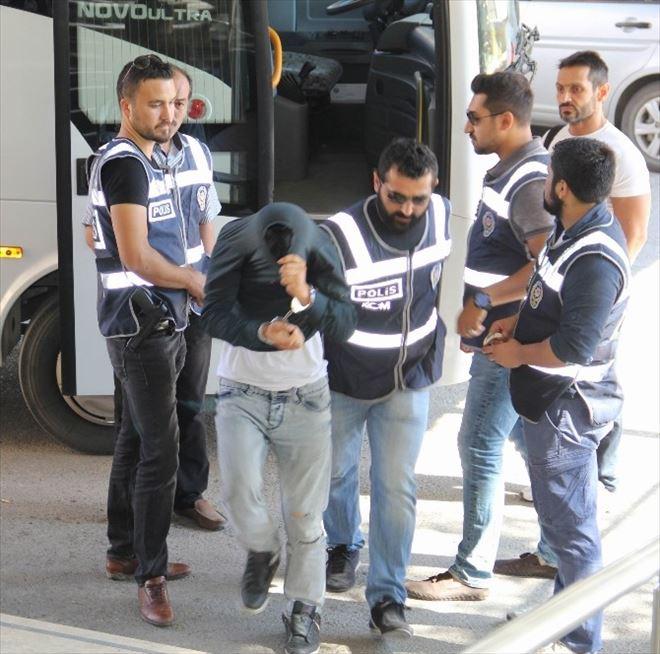 Sivas'ta Bonzai Satıcılarına Yönelik Operasyon: 11 Gözaltı