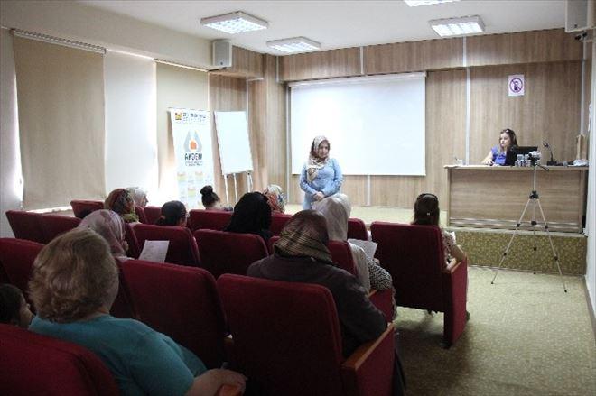 Zeytinburnu'ndaçarşamba Seminerleri Başladı
