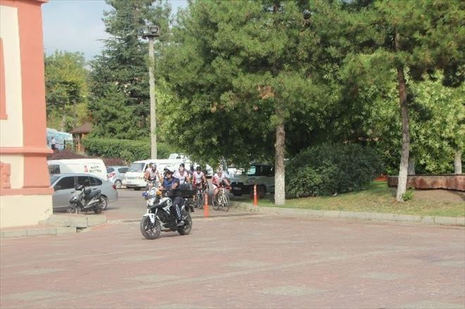 Bursa'dan Yola Çıkan Bisikletliler Bilecik'te Mola Verdi