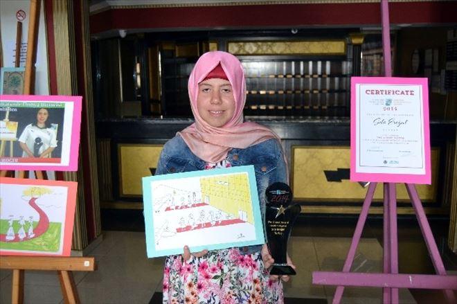 Dünya Karikatür Şampiyonu 11 Yaşındaki Kız Ayvalık'ta Sergi Açtı