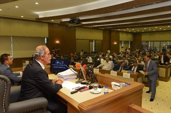 Yeni Belediye Sarayında İlk Meclis Toplantısı