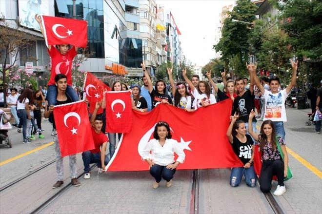 Eskişehir'de Teröre Yürüyüşlü Tepki