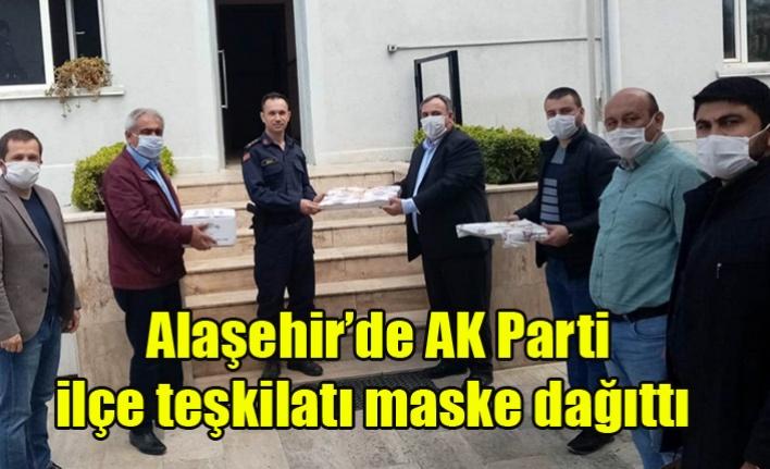 AK Parti Alaşehir İlçe Teşkilatı Maske Dağıttı