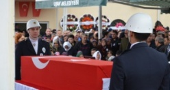 UŞAK ŞEHİT POLİS NAZIM TUNCER'İ SON YOLCULUĞUNA UĞURLADI