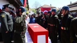 ŞEHİT ASTSUBAY TOPRAĞA VERİLDİ