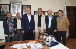 Makedonya Derneği'nden Adapazarı Belediyesi'ne...