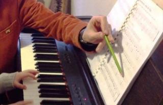 İzmit Belediyesi'nden Engelliler İçin Piyano...