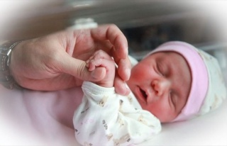 Bebeklerde Flaşlı Fotoğraf Çekimine Dikkat