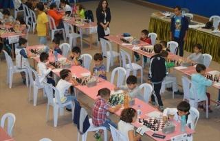 Şener Pekgüzel Satranç Turnuvası'na 100 Sporcu...