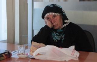 Kızı Tarafından Gece Sokağa Atılan 83 Yaşındaki...
