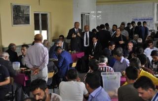 AK Partililer Akınal Bella'yı Ziyaret Etti