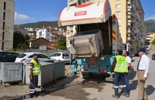 Gemlik'te 2 Bin 500 Çöp Konteynırı Temizleniyor