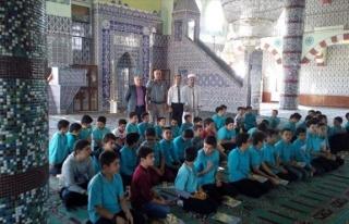 Öğrencilere Camilerin Önemi Anlatıldı