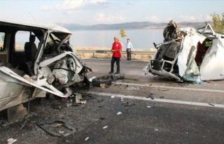 Elazığ'da Minibüsler Çarpıştı: 1 Ölü, 6...
