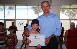 600 Çocuk Daha Yüzme Öğrendi