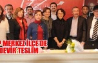 Uşak CHP'de Yazgan Görevi Devir Aldı