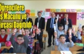 Simav'da öğrencilere ücretsiz diş fırçası...