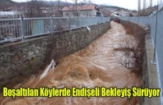 BANAZ'DA BOŞALTILAN KÖYLERDE ENDİŞELİ BEKLEYİŞ...