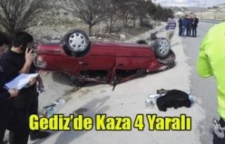 GEDİZ'DE TRAFİK KAZASI 4 YARALI