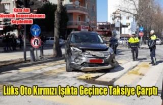 Uşak'ta kırmızı ışık ihlali kaza getirdi:...