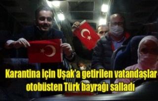 Karantina için Uşak'a getirilen vatandaşlar otobüsten...