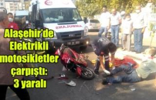 Alaşehir'de Elektrikli motosikletler çarpıştı:...