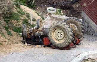 Traktörün altında kalan 7 yaşındaki çocuk hayatını kaybetti